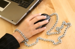 60% of people are at risk of compulsive internet usage, says research (pic: istockphoto.com/matka_Wariatka)